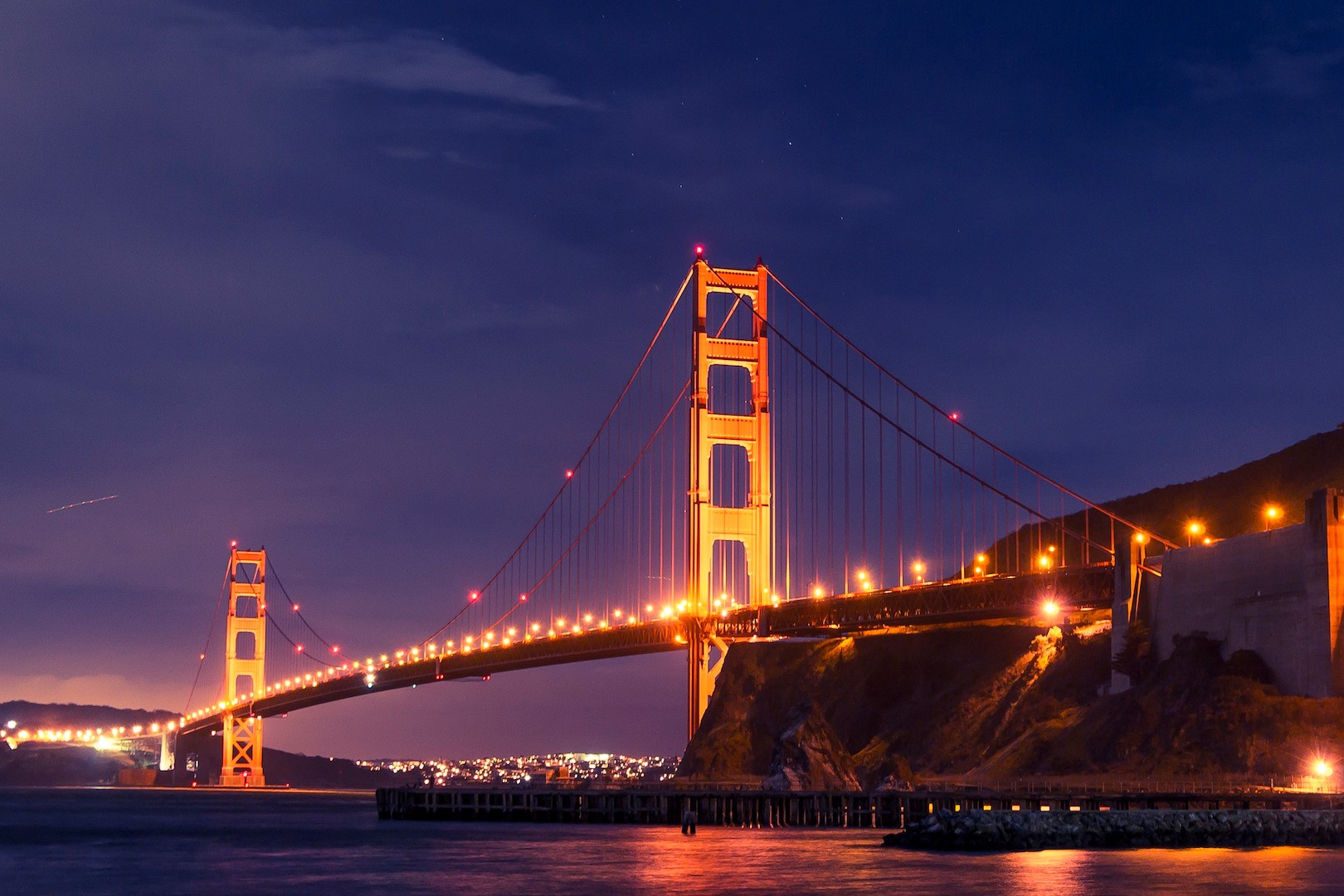 Le Golden Gate de San Francisco de nuit
