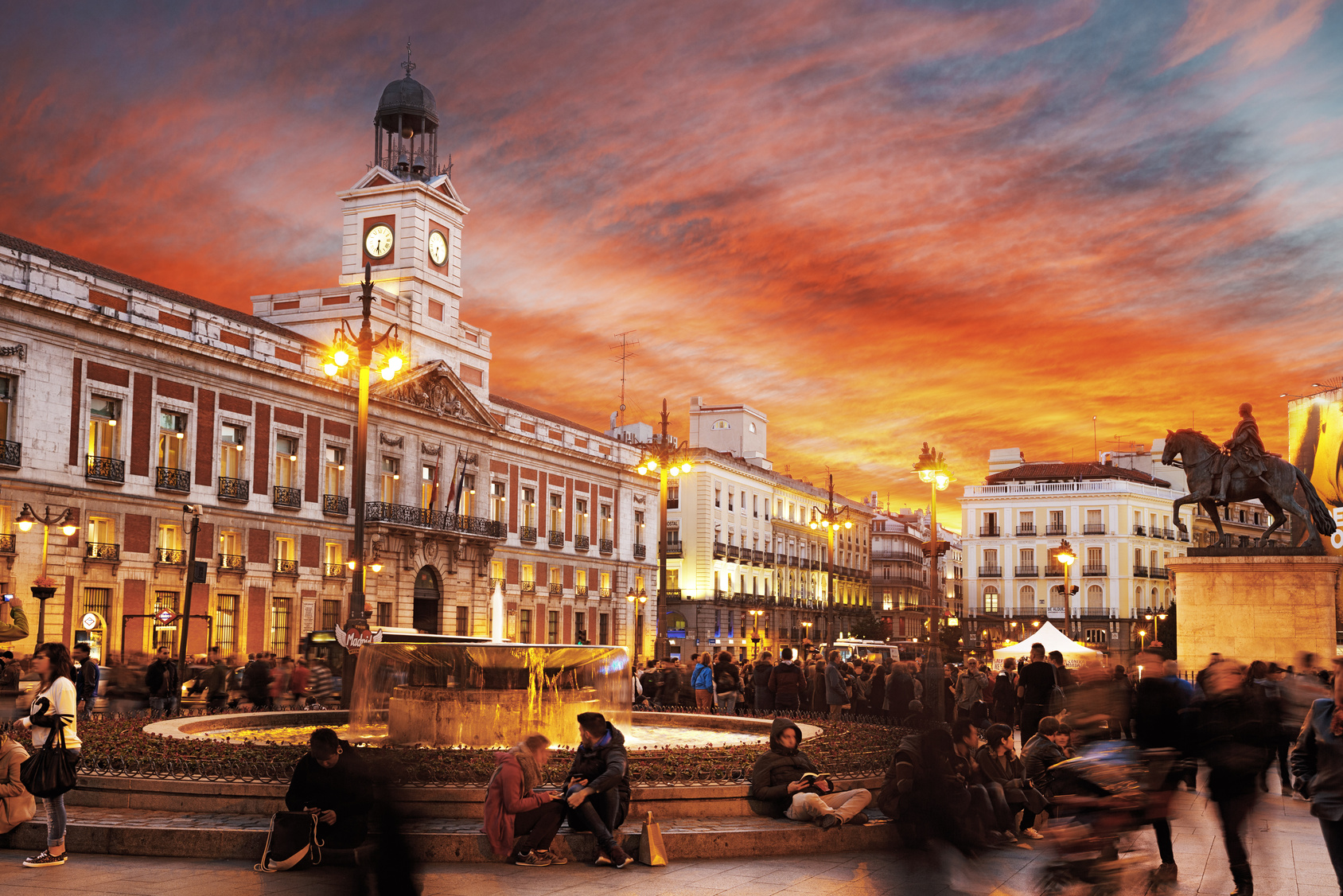 10 traditions du nouvel an dans le monde chapka assurances for Comer en puerta del sol