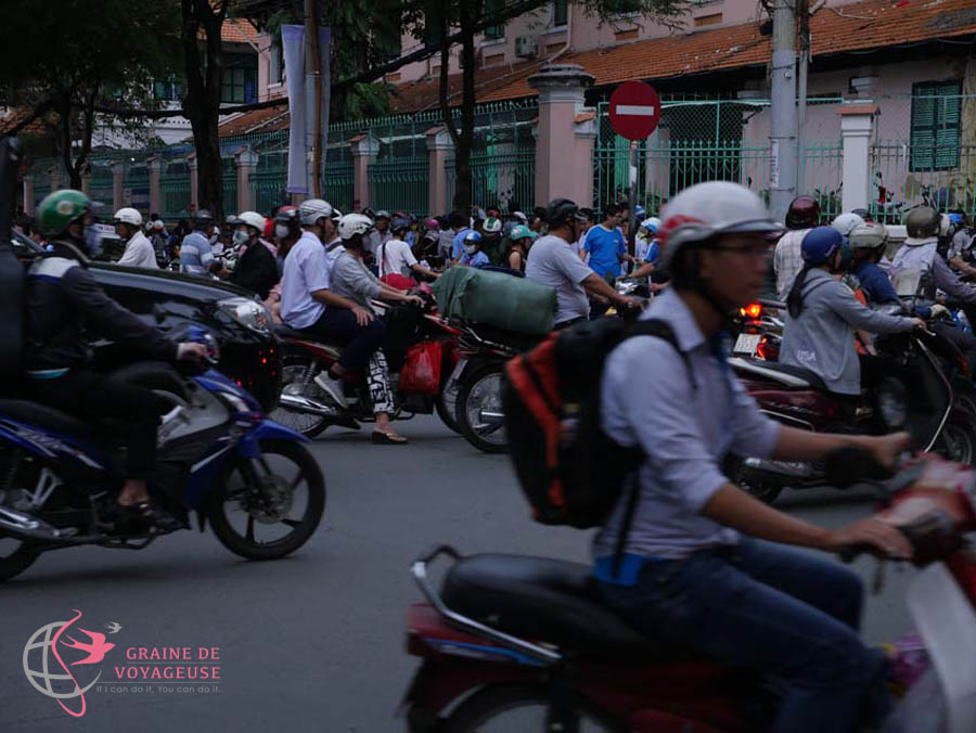 les scooters a hanoi