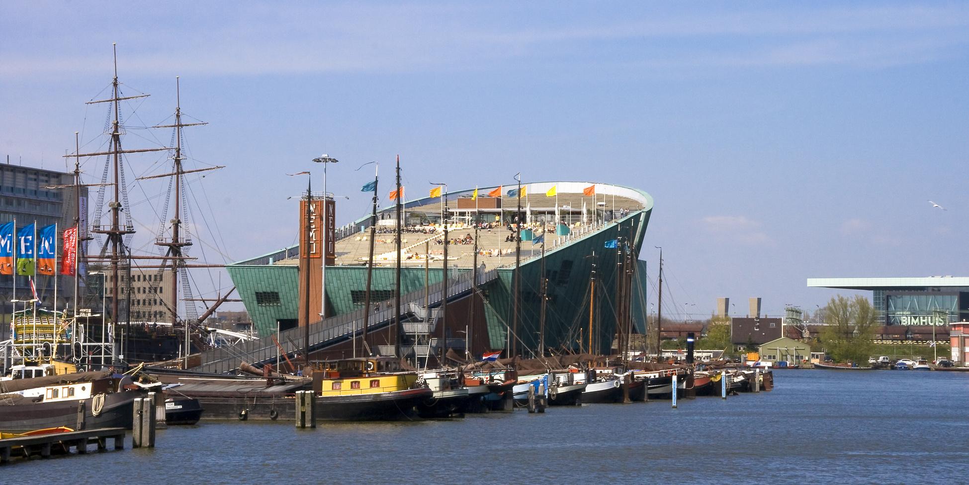 manger au Nemo a Amsterdam entre amis ou en famille