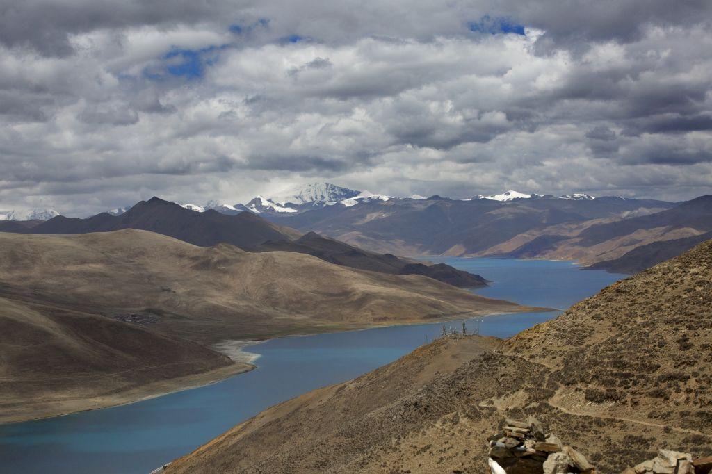 Lac Yamdrok au Tibet