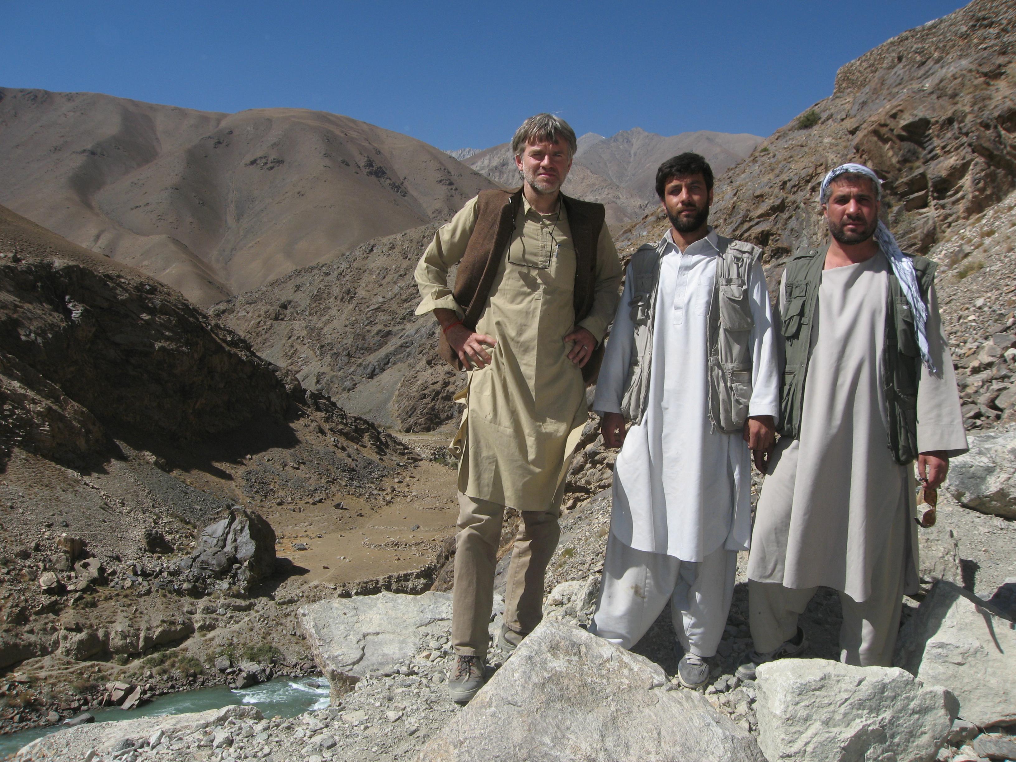 Olivier Weber dans les montagnes afghanes