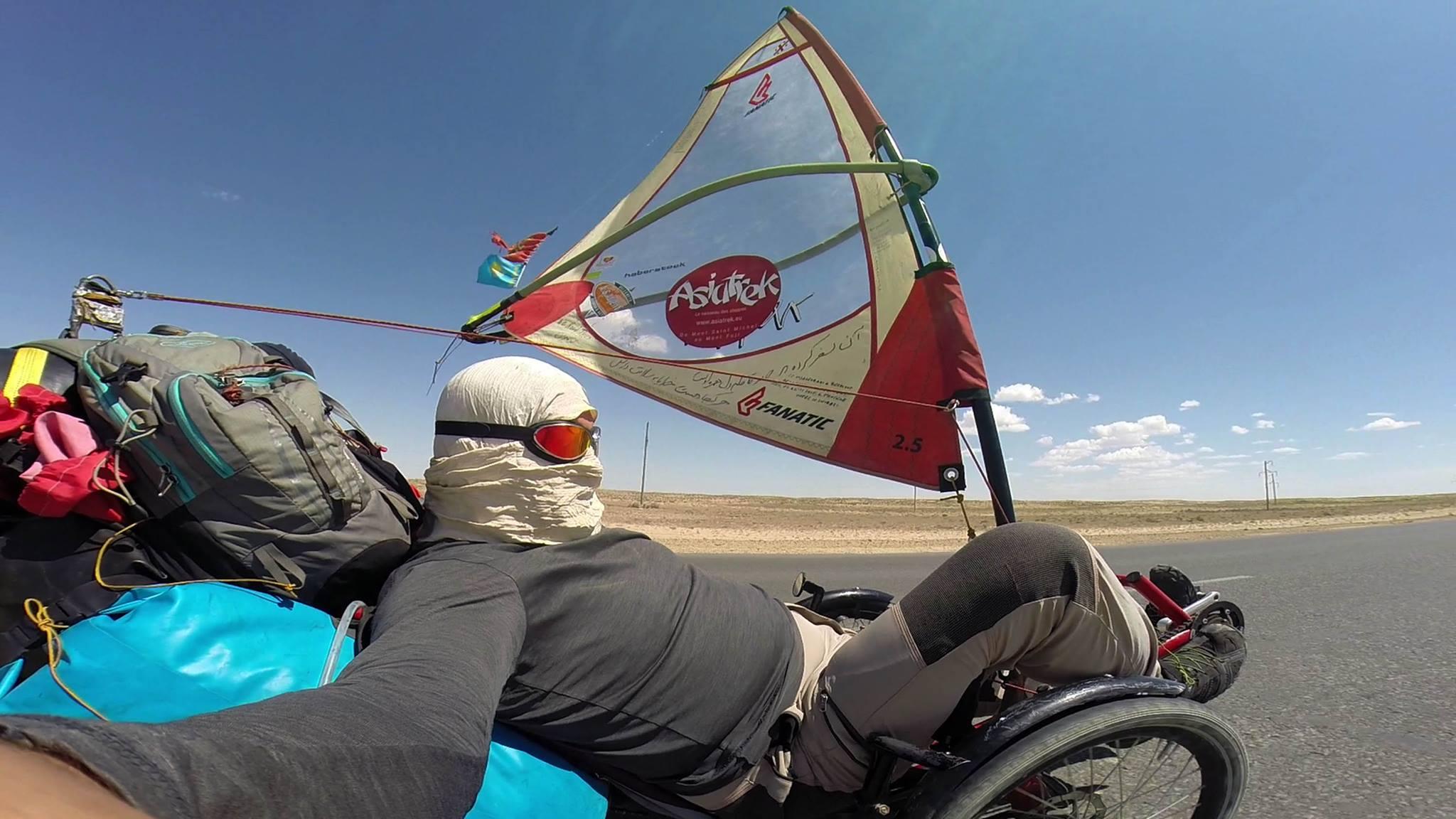 Asie à vélo à voile, le défi de Laurent Houssin