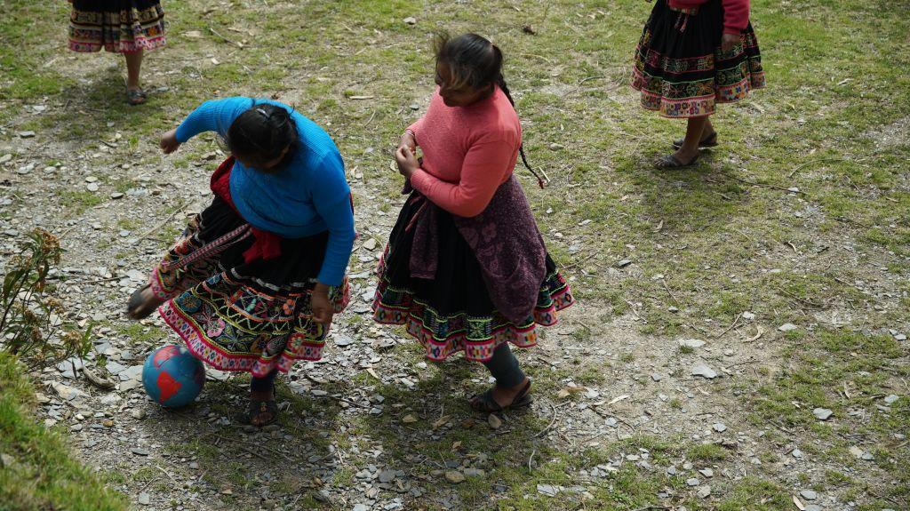match de foot feminin en altitude dans les Andes